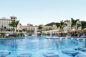 piscina-pool_tcm55-54180