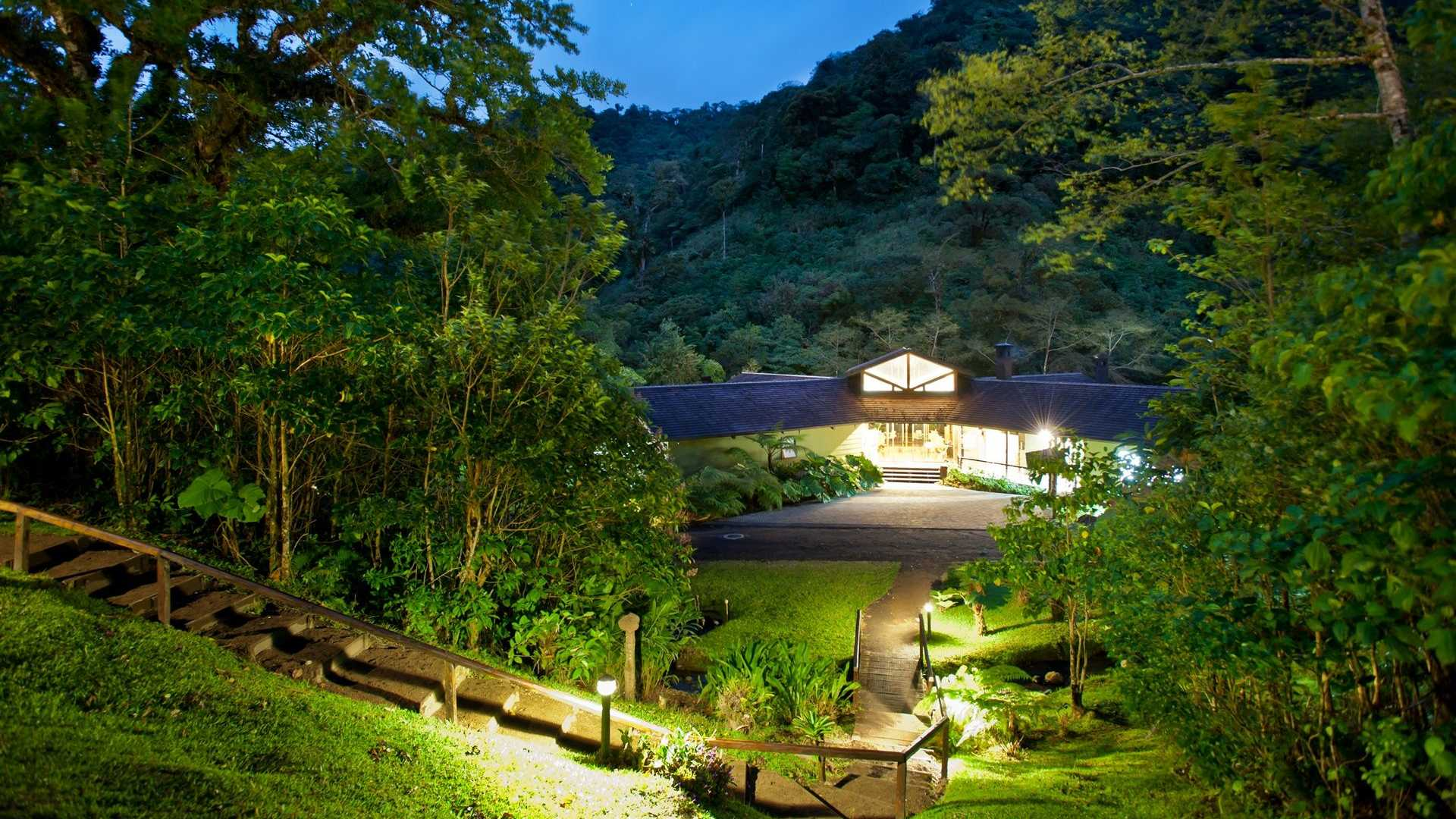 El silencio eco luxury cloud forest hotel spa costa rica for Luxury vacation costa rica