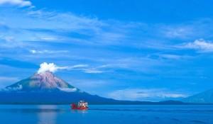 tour-lake-nicarauga-volcano