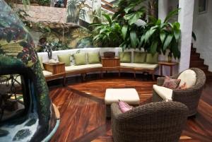 atrium-lounge-finca-rosa-blanca.jpg