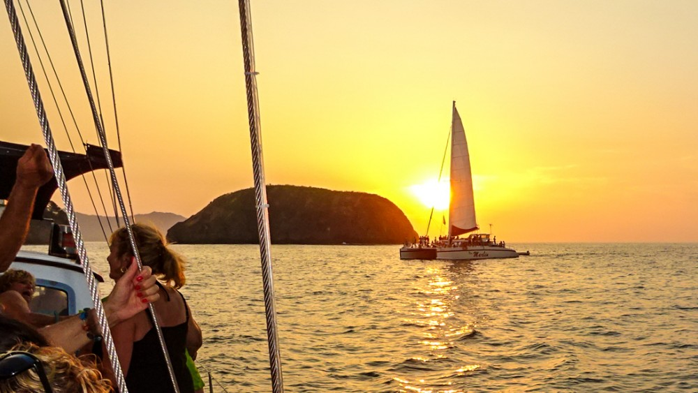 Sunset Cruise in Costa Rica For snorkeling, fishing, drinking and eating
